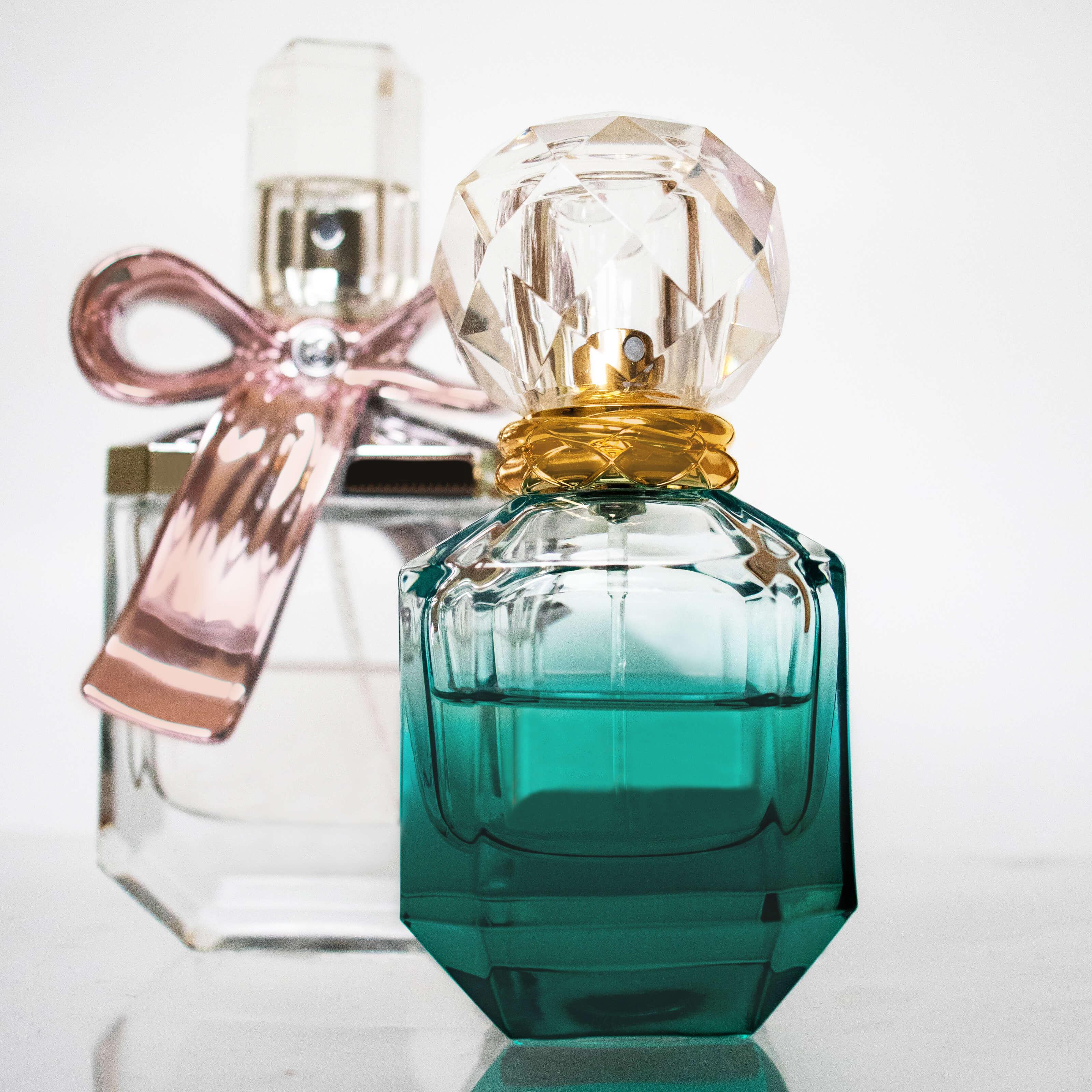 perfume bottles ribbons thumbnail image