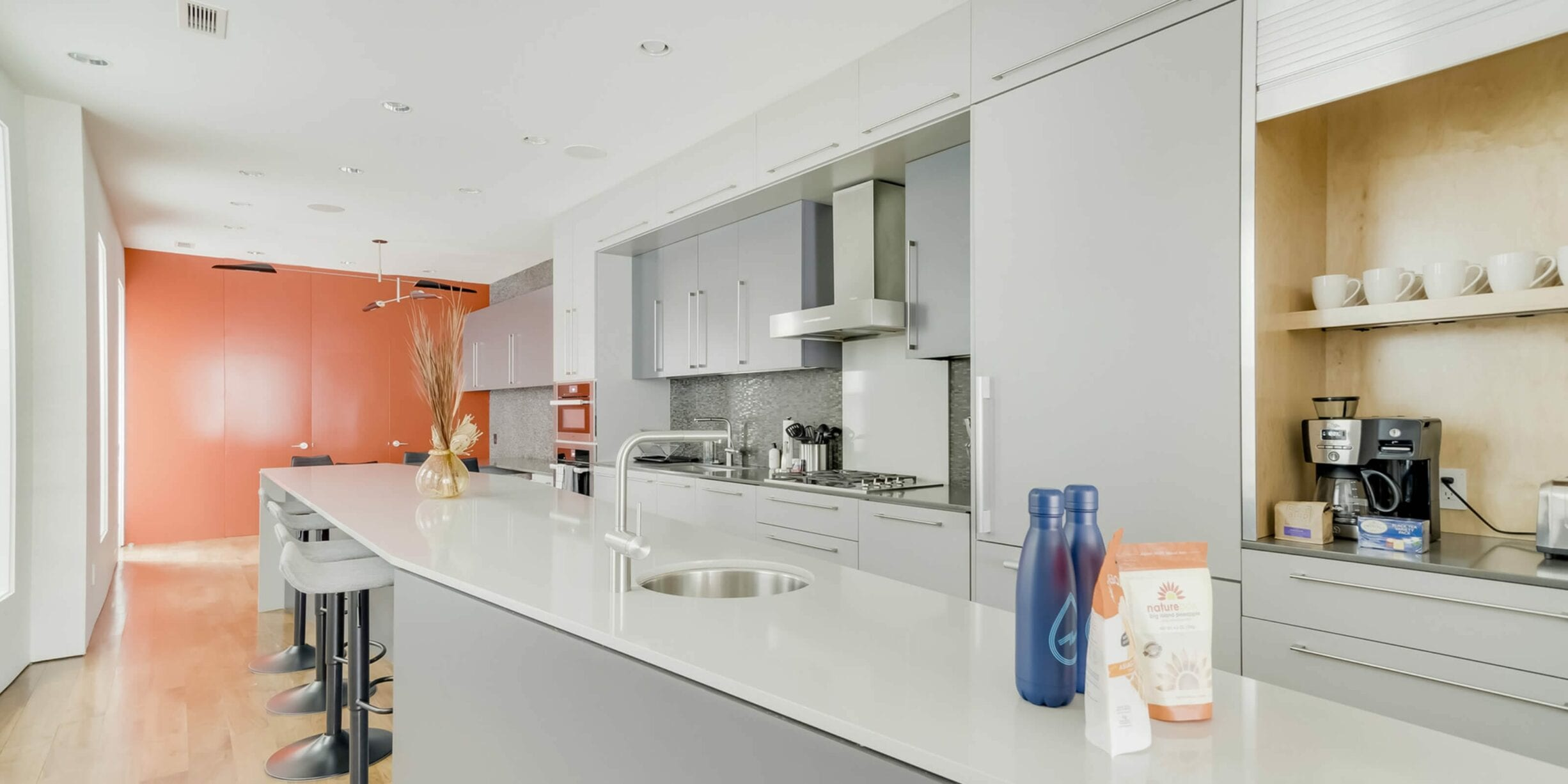 zeus luxury apartment kitchen