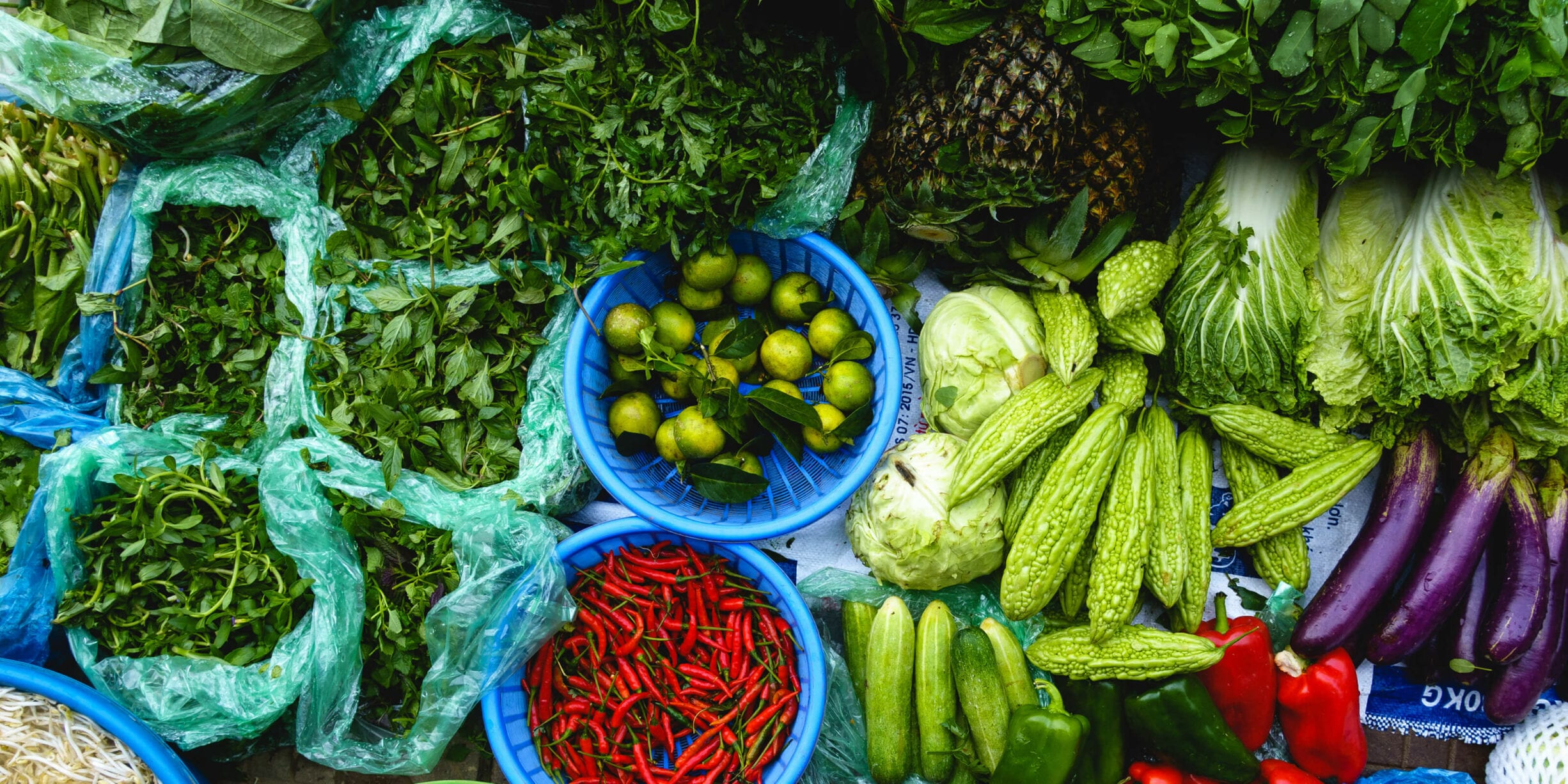 green vegetables, red peppers, food market