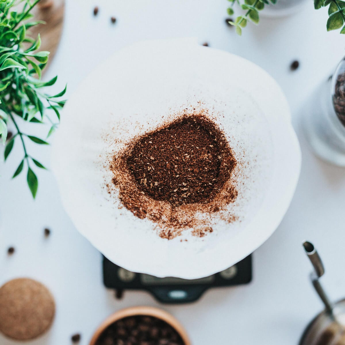 How to Grind Coffee Beans (With or Without a Coffee Grinder!)
