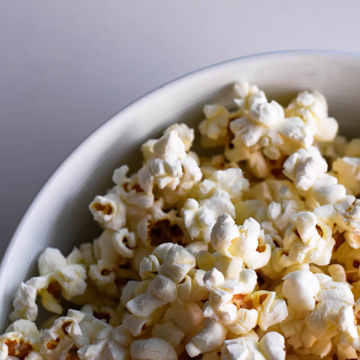 How to Make Air-Popped Popcorn: An Easy and Healthy Recipe