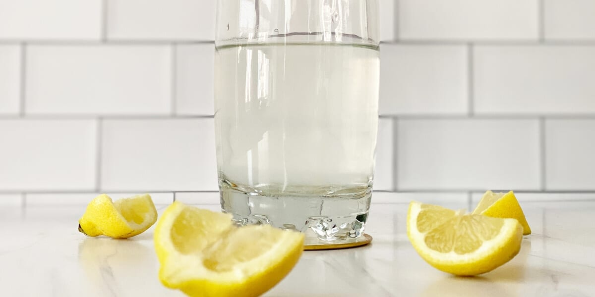 four slices of lemon and a glass of aloe vera gel blended with water