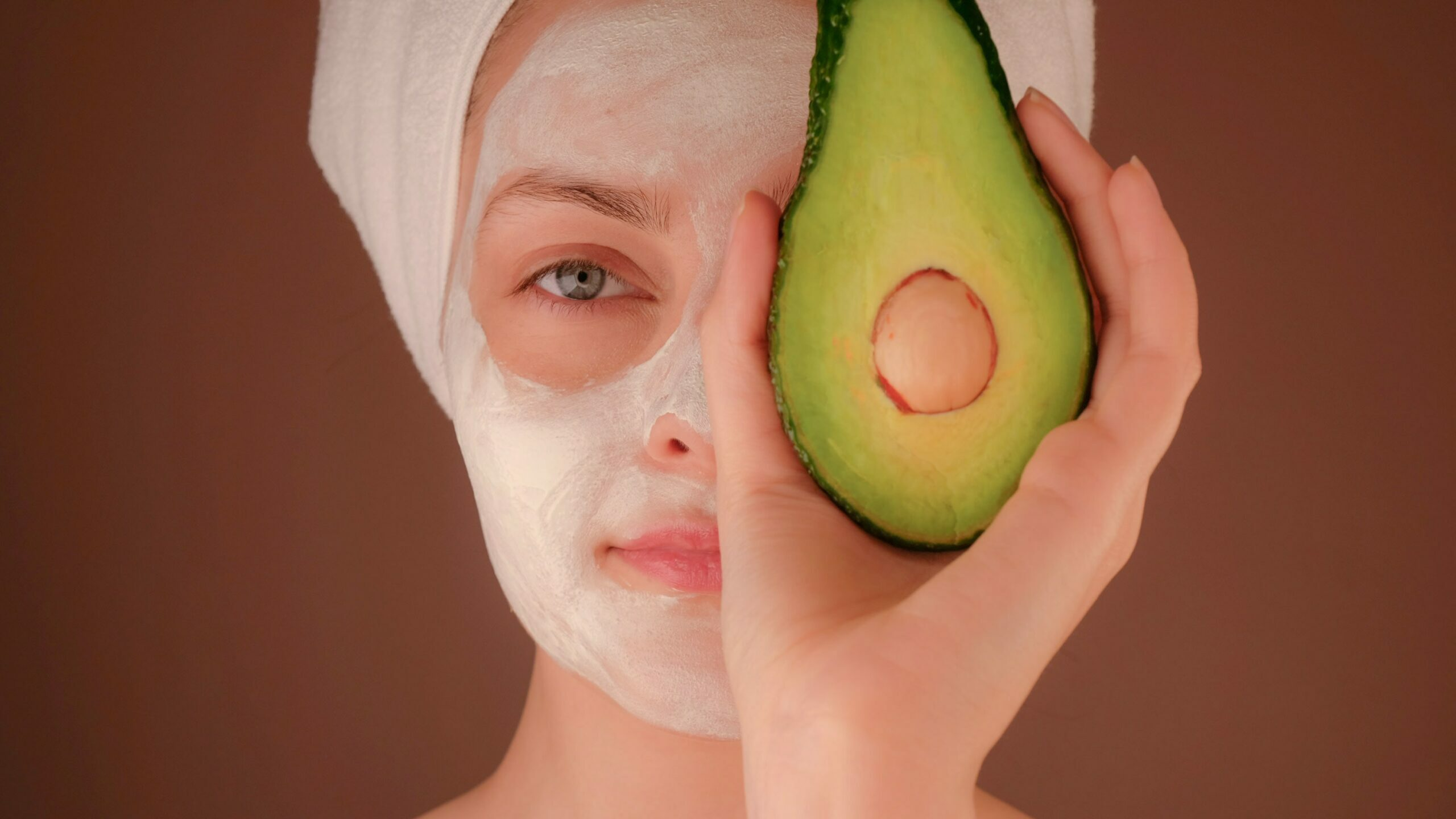 Avocado Oil for Skin: 5 Benefits and Tips from an Expert